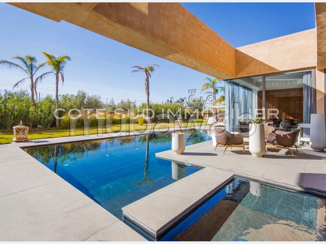Casa de lujo en venta en Route de Fez. 7 habitaciones grandes. Chimenea y conserje.