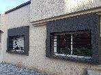 منزل رائع للشراء بالقنيطرة. المساحة 100 م². باب متين ، صالة مغربية تقليدية.