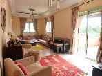 Se vende piso en Ennakhil (Palmeraie). 2 Bonitas habitaciones. Residencia con conserje, piscine grande.