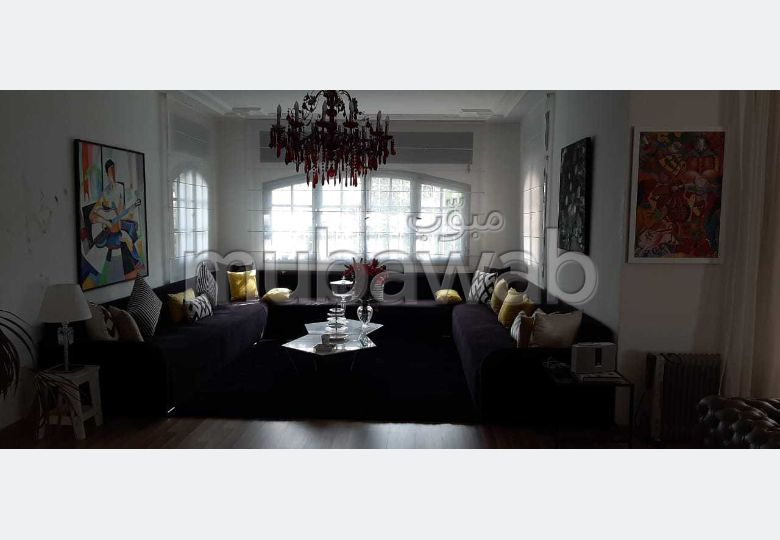Somptueuse villa à vendre à El Manar El Hank. 4 chambres