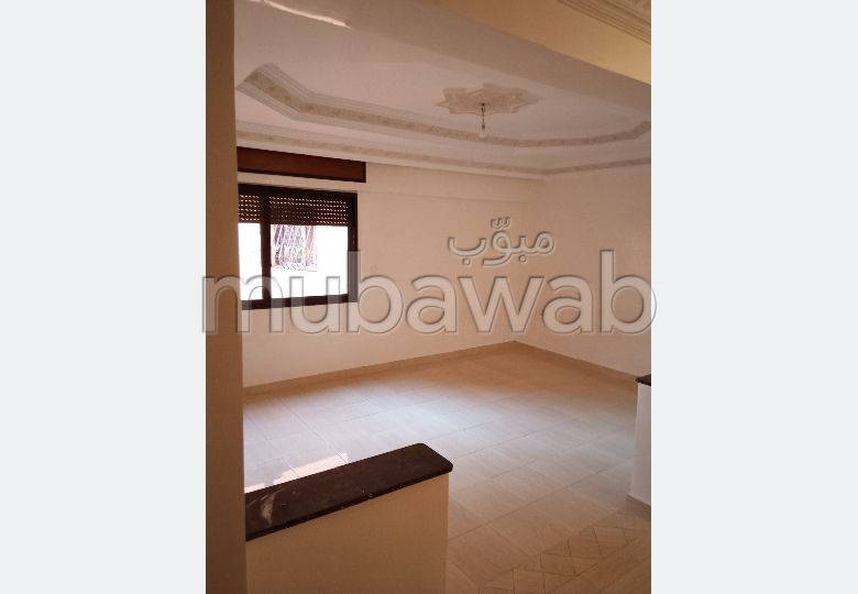 Very nice apartment for rent in Guéliz. 3 beautiful rooms. Carpark and elevator.