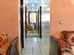 شقة رائعة للبيع بالرباط. المساحة الكلية 77 م². مصعد وأماكن وقوف السيارات.