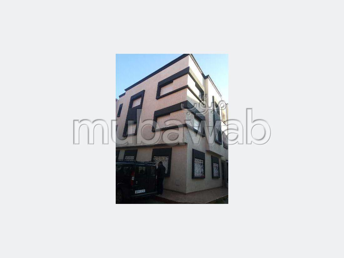 Magnífica casa en venta en Oulad Wjih. 6 Habitacion grande. Salón marroquí.