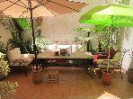 Piso en venta en Guéliz. Pequeña superficie 132 m². Plazas de parking y terraza.