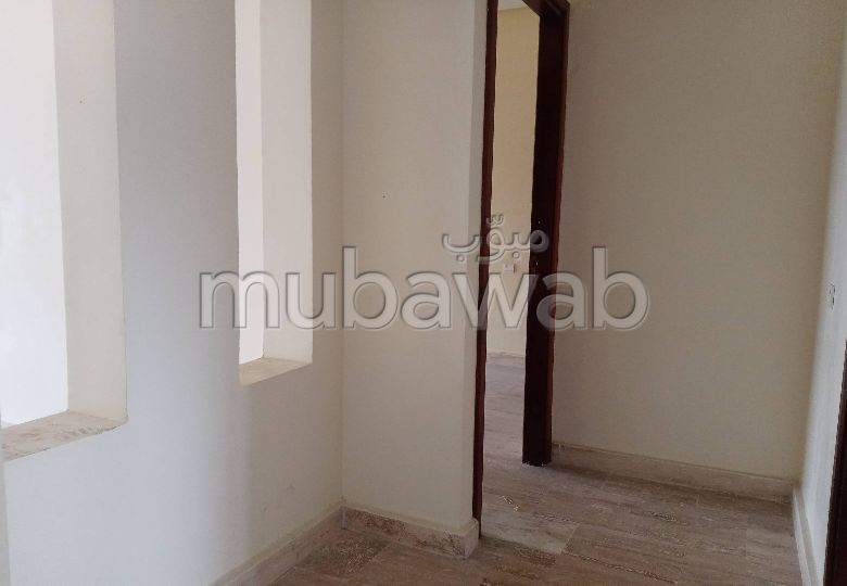 Apartment for sale in Malabata. Area of 123 m². No Lift, Balcony.