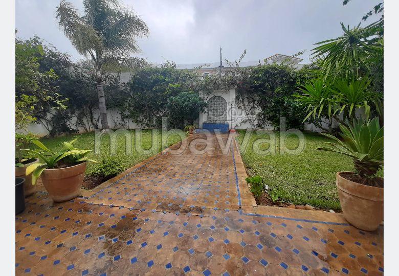 Villa de alto standing en alquiler en De La Plage. Gran superficie 380.0 m². Amueblada.