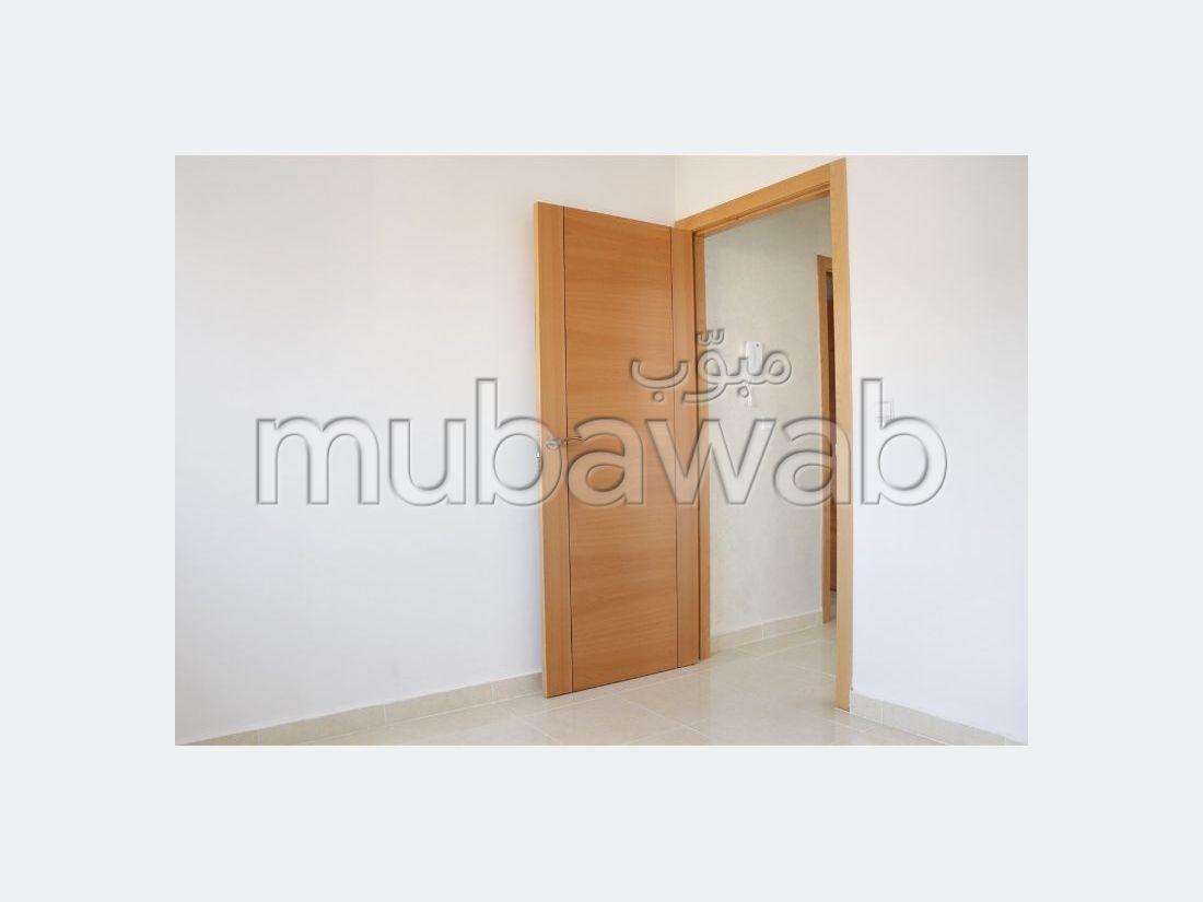 Bonito piso en venta en Ahlane. 3 Salas. Sin ascensor.