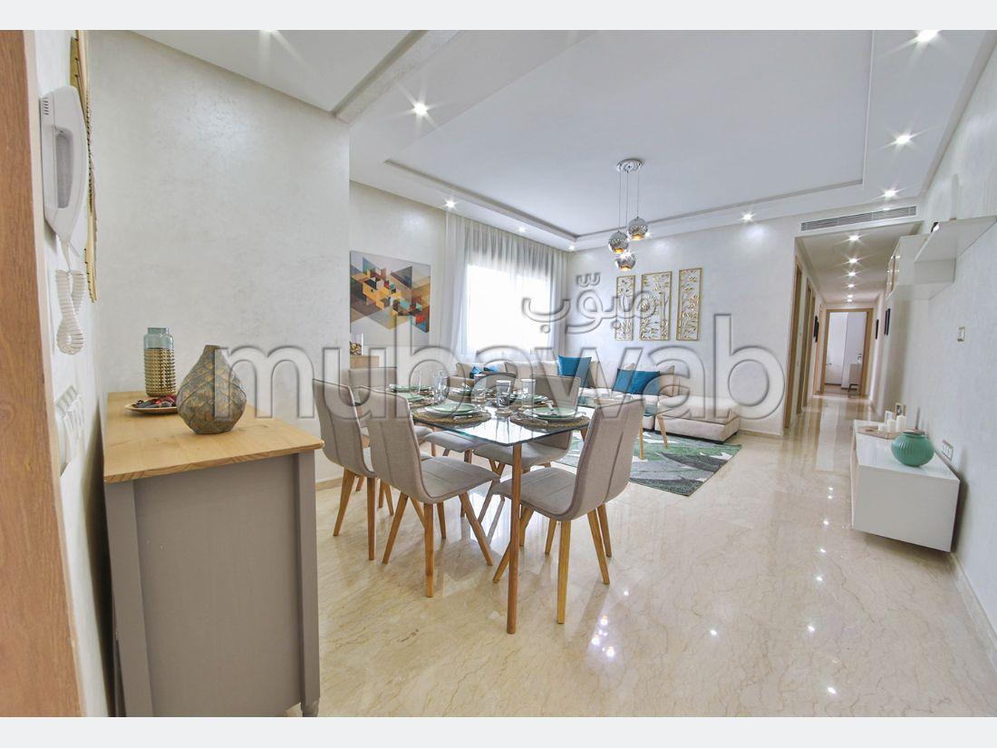 شقة رائعة للبيع بالدارالبيضاء. 3 غرف.