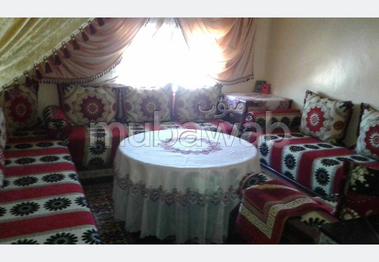 شقة للبيع بالمهدية. 1 قطعة. صالون مغربي تقليدي