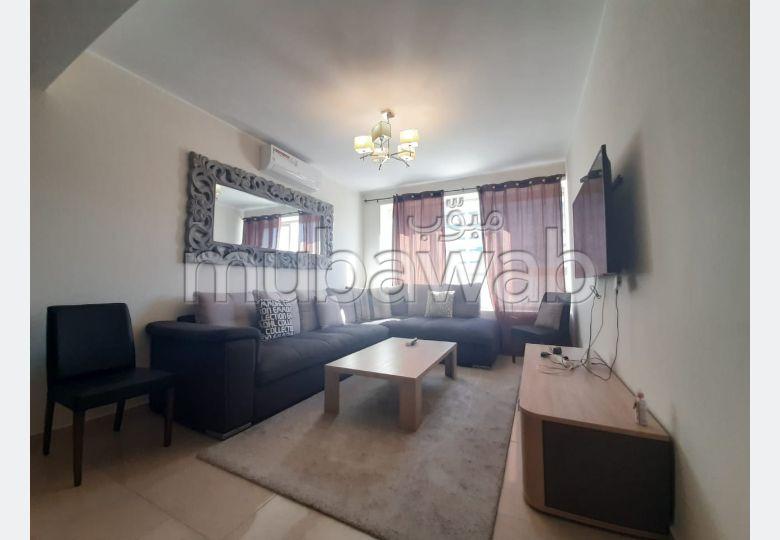 شقة جميلة للكراء بملابطا. المساحة الإجمالية 70.0 م². مفروشة.
