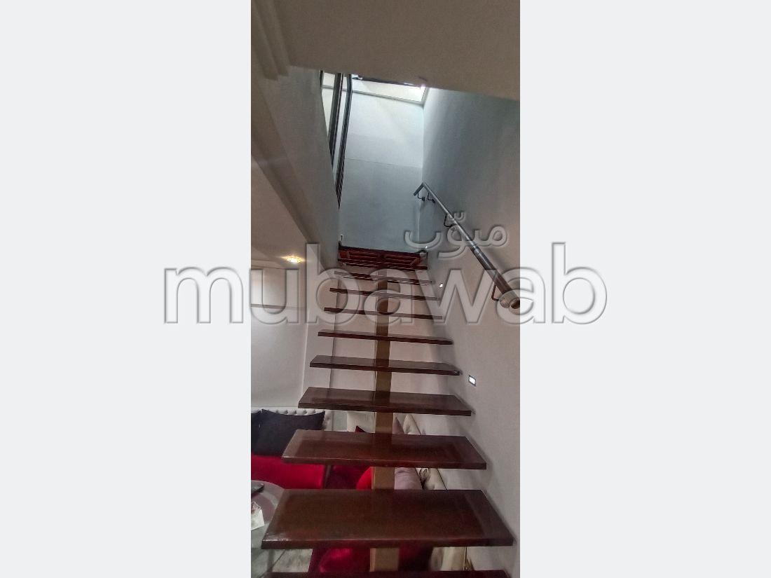 عقارت تجارية للكراء بمراكش. المساحة 64 م². مصعد.