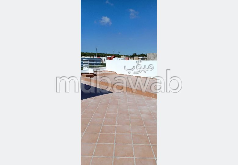 Splendide villa à vendre à Ismalia. Superficie 250 m². Belle terrasse et jardin