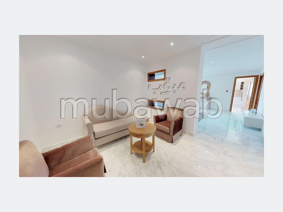 شقة رائعة للبيع ب القنطاوي. المساحة 119 م². مكان وقوف السيارات وشرفة.