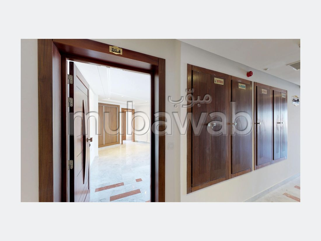 Apartment for sale in El Kantaoui. Surface area 113 m². Quiet sorroundings with mountain view, air conditioning installation.