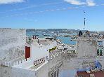 Maravillosa casa en venta en Médina. Pequeña superficie 100 m². Impresionante vista al mar.