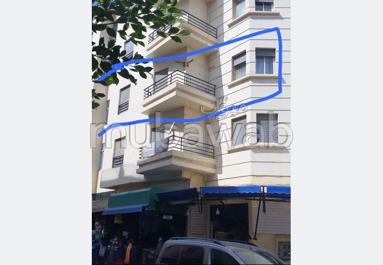 Vend appartement à Tanger. 2 pièces. Grand balcon
