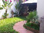 منزل فخم للبيع بالدارالبيضاء. 7 قطع مريحة. حديقة.