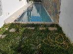 منزل ممتاز للبيع ب لونشون (حي الهناء). المساحة الإجمالية 733 م². مسبح.