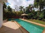 Luxury villa for sale in Californie. Small area 855 m². Property with swimming pool.