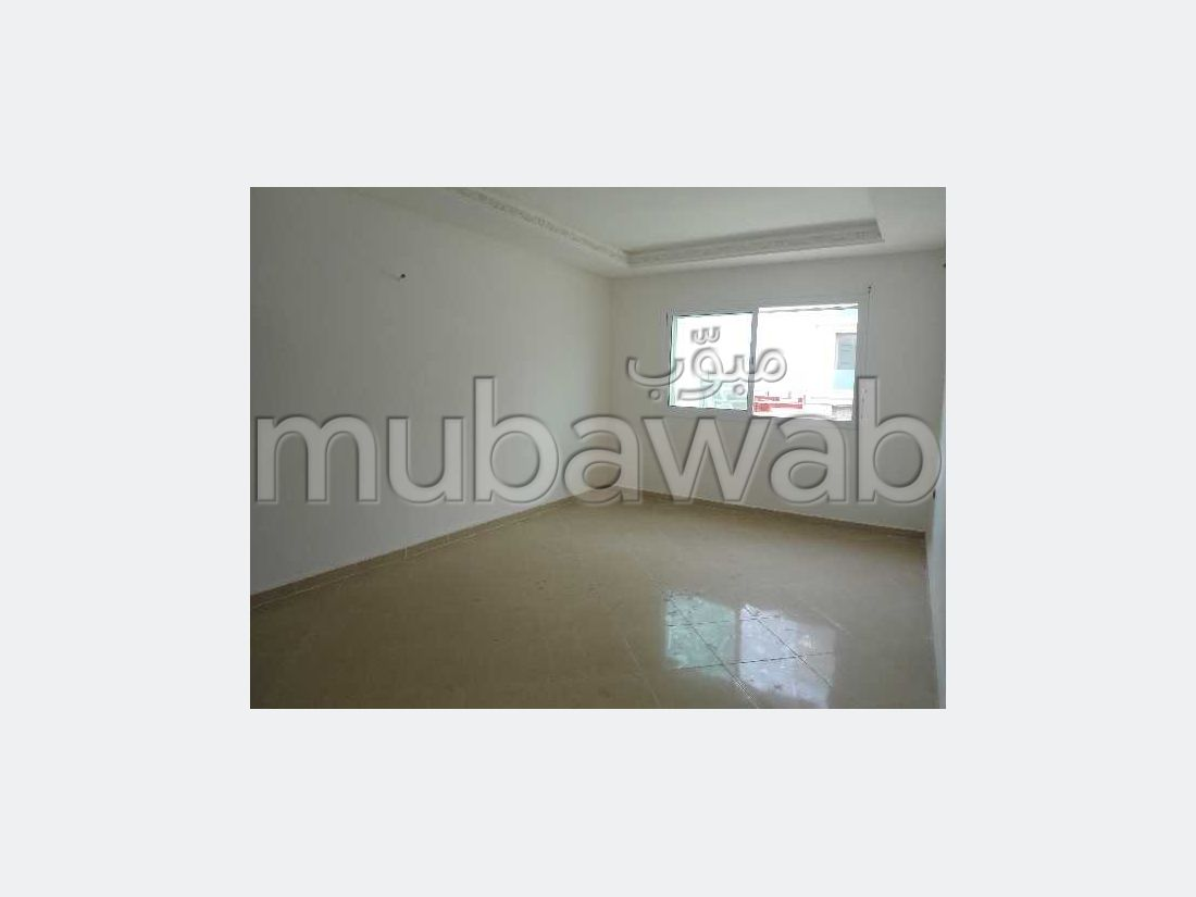 Apartment for sale in Maamora. Dimension 118.0 m². With garage and lift.