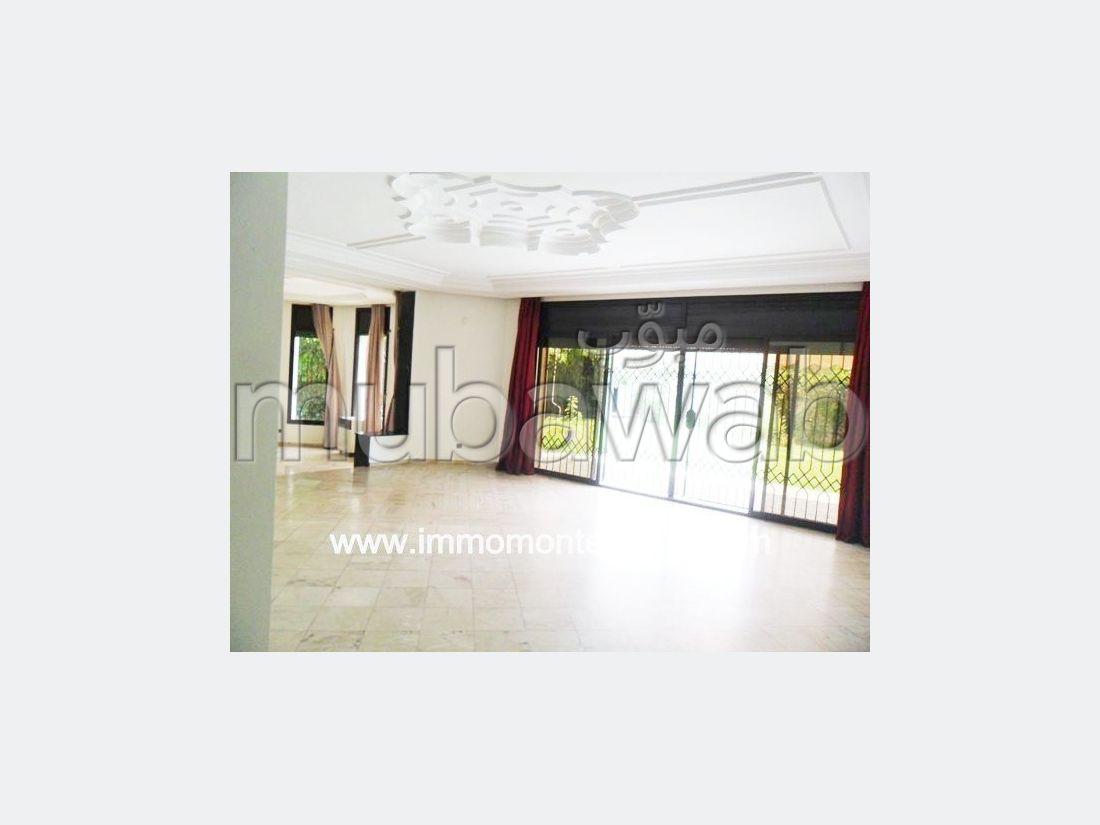 Location d'une belle villa d'architecte à Hay Riad