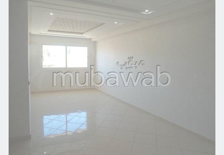 Busca pisos en venta en Ismalia. 2 Suite parental. Sistema parabólico y salón de estilo marroquí.