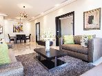 شقة للشراء بعين الذياب. 3 غرف. مع المرآب والمصعد.