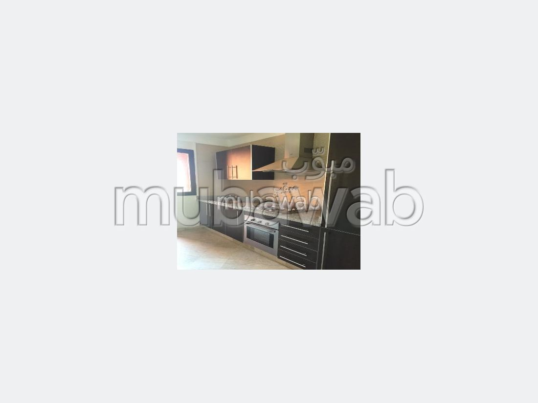 Sell apartment in Route Casablanca. 3 large rooms. caretaker available, air conditioning system.