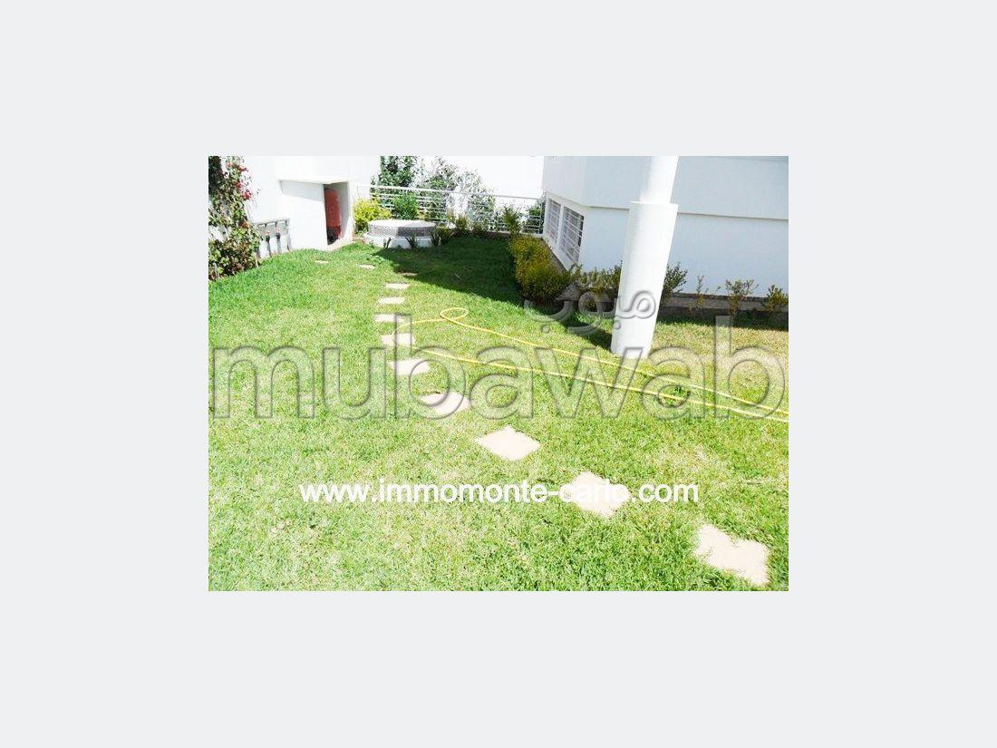 Villa de haut standing à louer à Hay Ryad RABAT