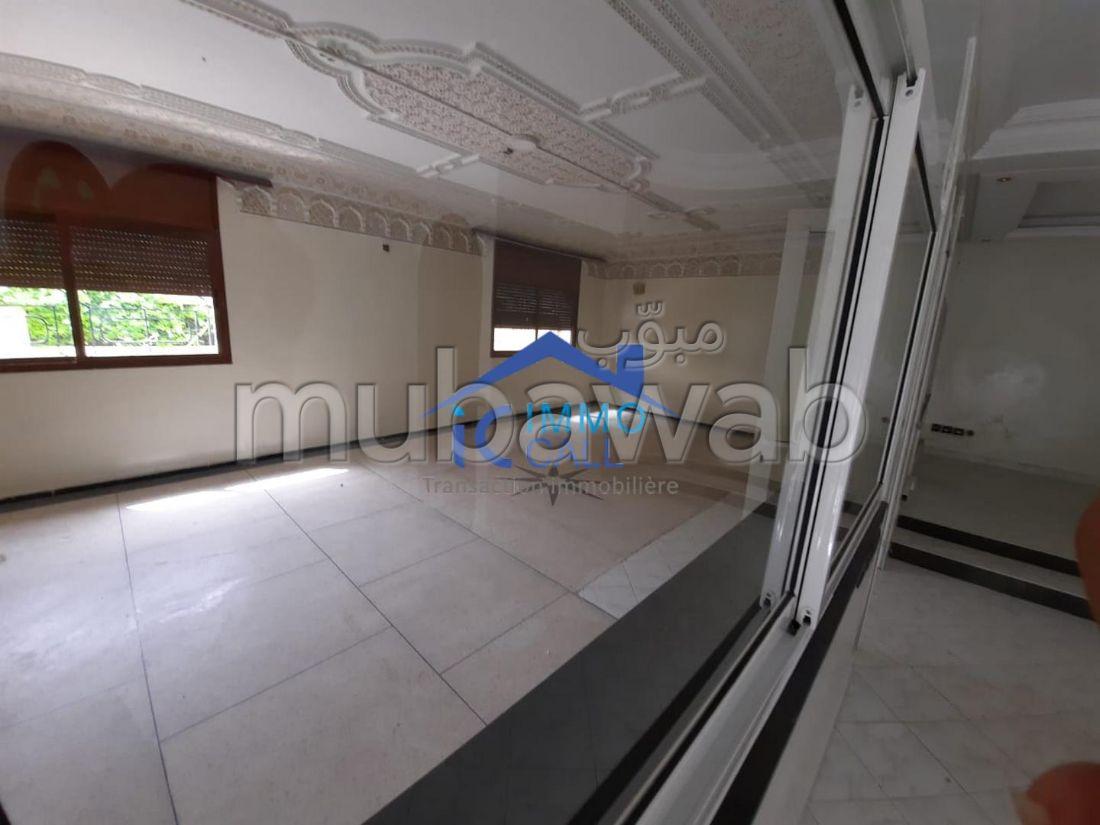 à LOUER Villa usage bureau en location à Hay Riad