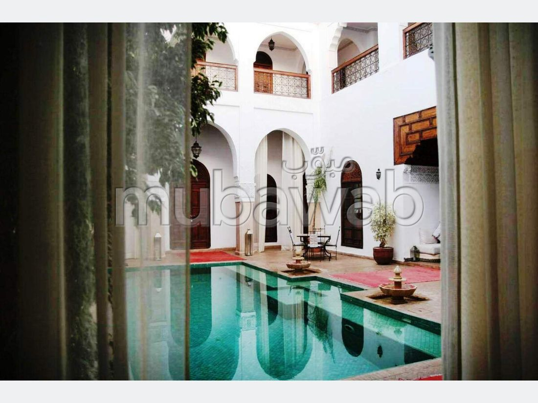Riad du XVIII siècle, 12 chambres et suites, piscine, spa hammam, restaurant, terrasses, parking