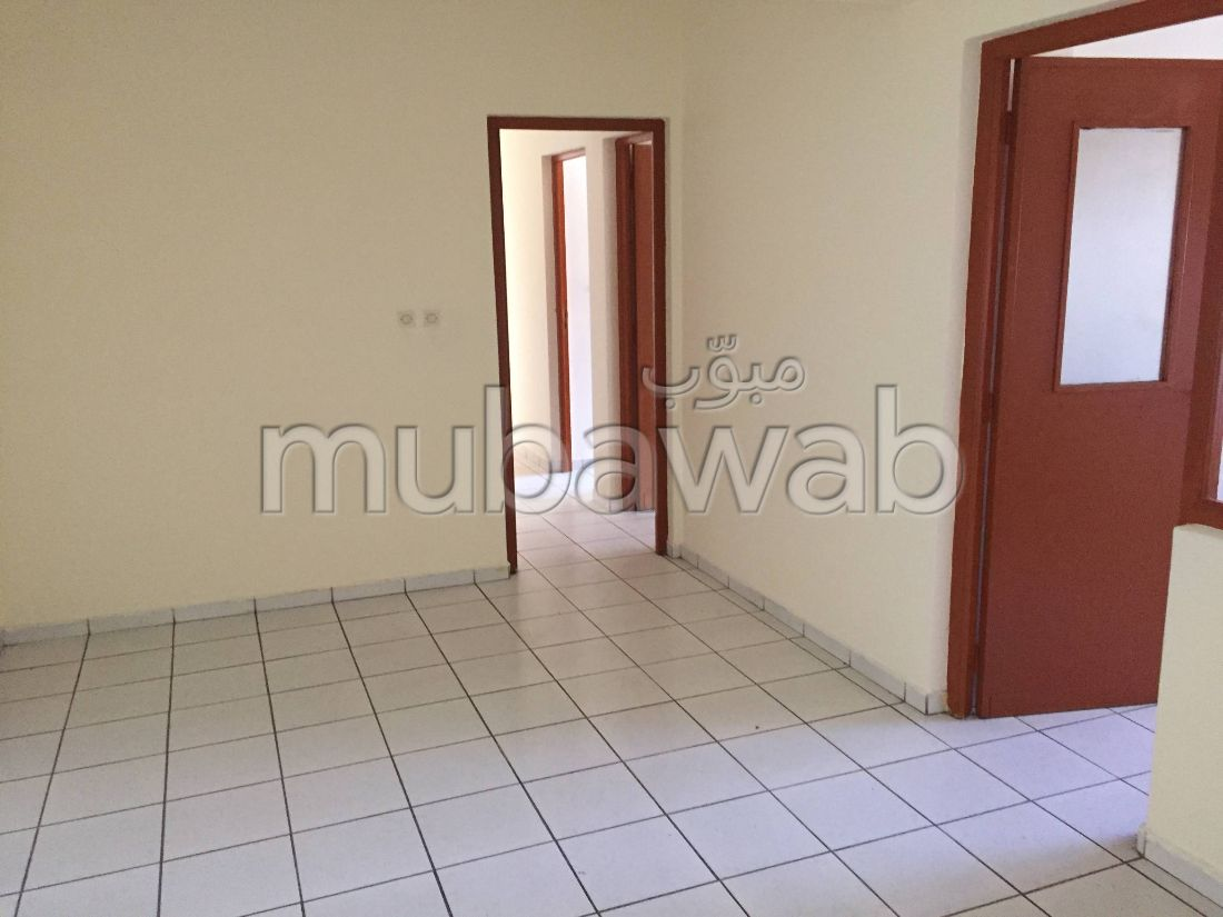 Apartment for rent. Surface area 130 m².