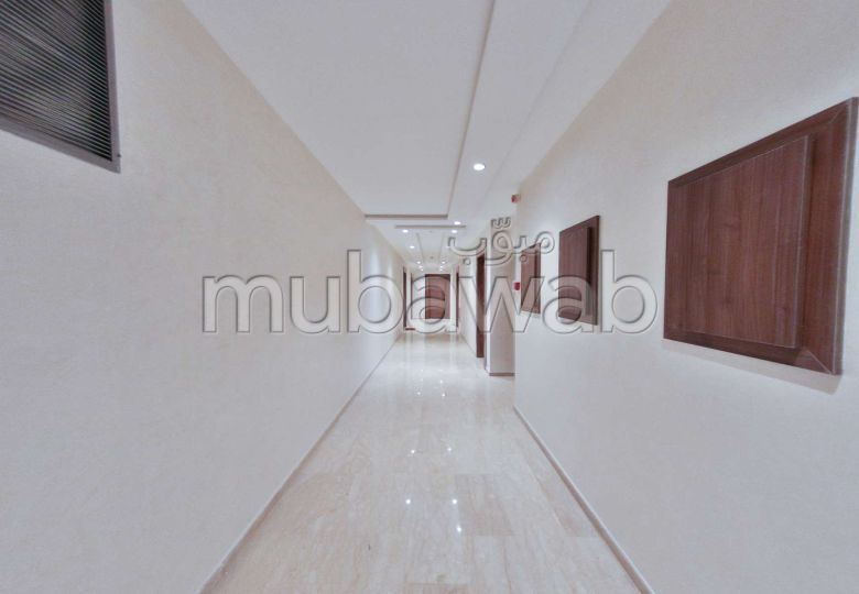 Piso en venta en Belvédère. Area 120.0 m². Sin ascensor, gran terraza.