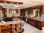 منزل فخم للبيع بلاسييسطا. 5 غرف. الراحة مع مكيف الهواء و مدفأة.