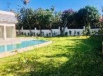 High quality villa for rent in Anfa Supérieur. 4 Hall. Parking spaces and beautiful garden.