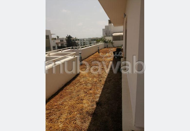 Magnífico piso en alquiler en Souissi. 4 Suite parental. Espacios verdes, Balcón.