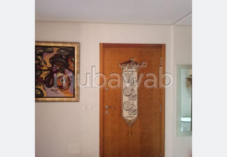 شقة للبيع ب المدينة العليا. المساحة الكلية 129.0 م². مصعد وأماكن وقوف السيارات.