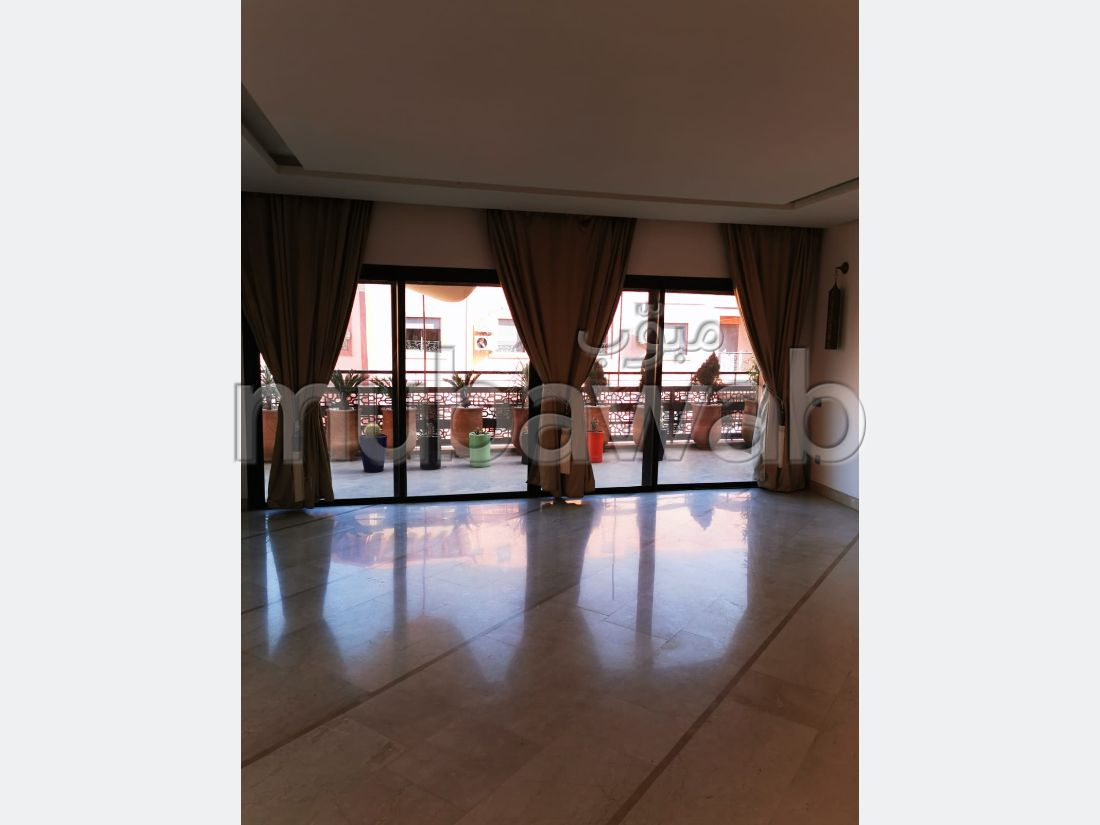 Find an apartment for rent in Guéliz. 2 Master bedroom. Large terrace.