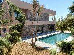 Magnifique Villa Neuve moderne sur 3 Niveaux à louer vide 5 Suites, Salle de Sport, Jardin & Piscine privative-  94843