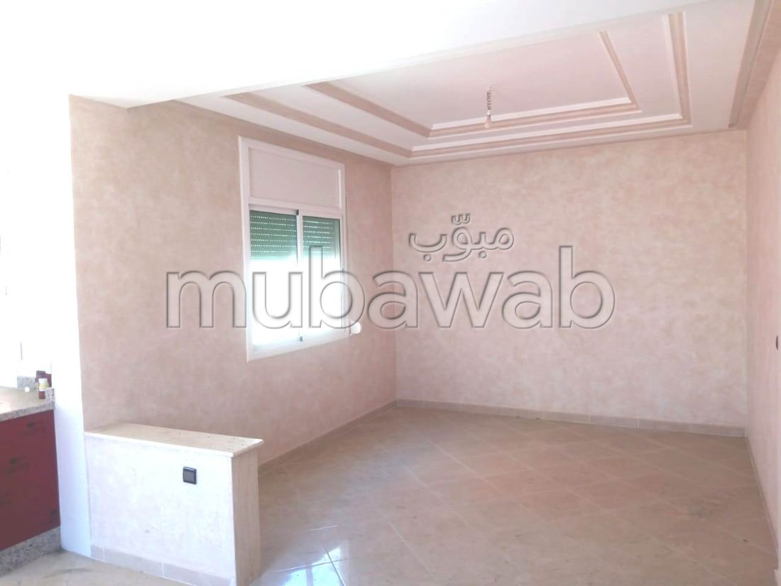 Very nice house for sale in El Hadadda. 5 living areas. Parking spaces and terrace.