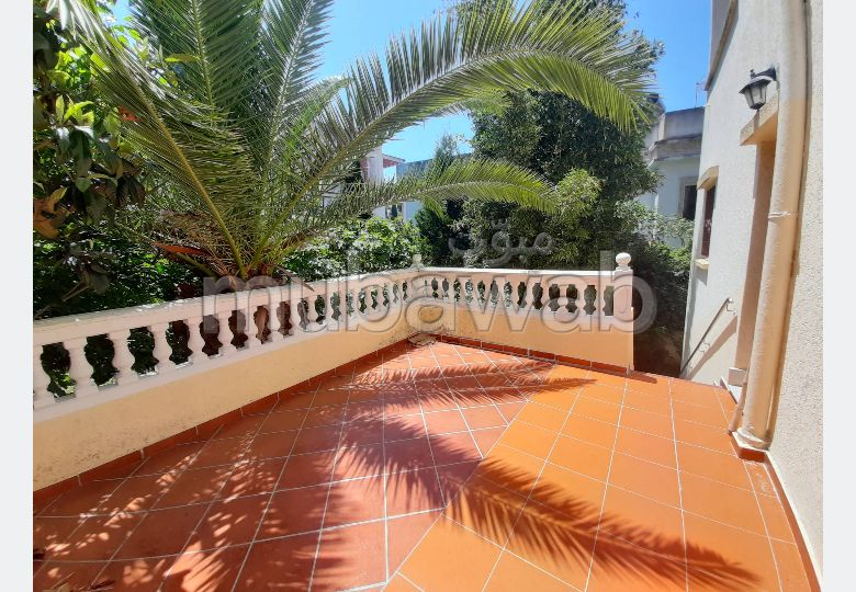 Luxury villa for rent in Iberie. Large area 400.0 m². Beautiful terrace and garden.