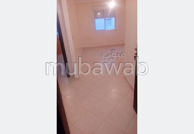 Vente d'un bel appartement à Mohammedia. 3 grandes pièces. Jardin et terrasse