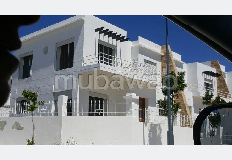 Luxury Villa for sale. 7 Living room. Gardeners, Large terrace.