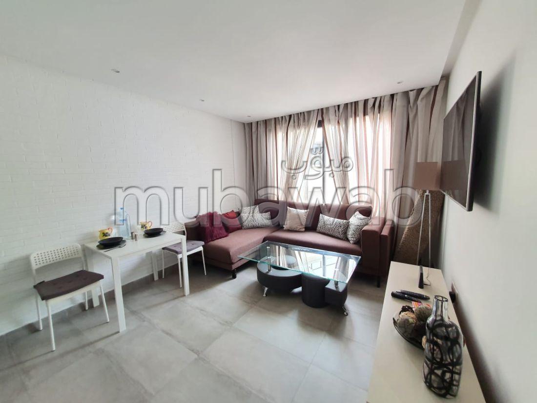شقة للكراء براسين امتداد. المساحة الإجمالية 55 م². مفروشة.