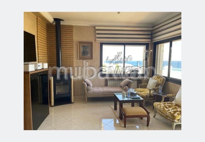 High quality house for sale in Achakar. Area of 1000 m². Swimming pool, air conditioning.