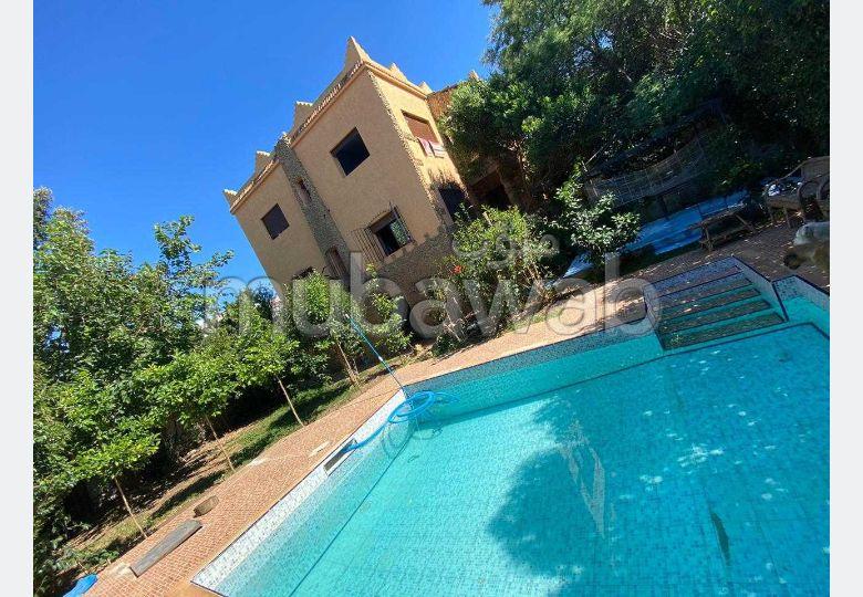 Splendid villa for sale in Jbel Kbir. 2 rooms. Parking spaces and beautiful garden.