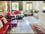 شقة جميلة للبيع ببوسكورة. 5 قطع مريحة. شرفة وحديقة.