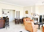 Superbe appartement à vendre à Casablanca. Surface de 171.0 m². Places de parking et terrasse.