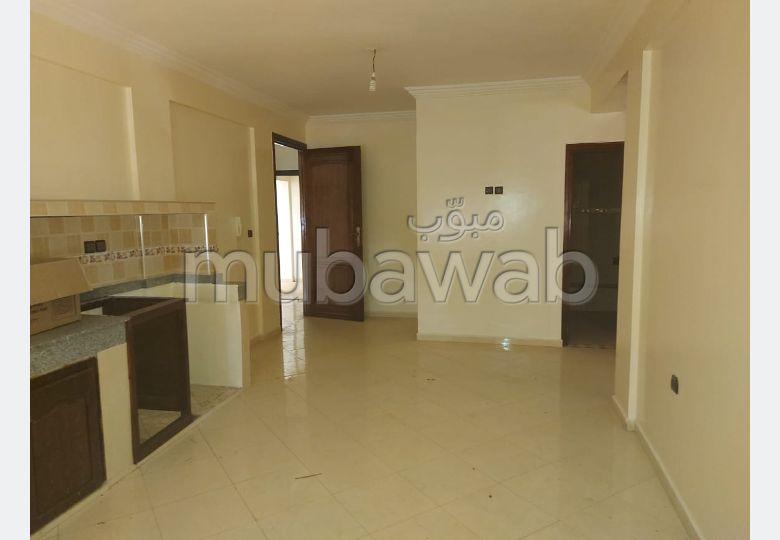 Loyer d'un bel appartement à Agadir. Superficie 100.0 m². Grande terrasse.