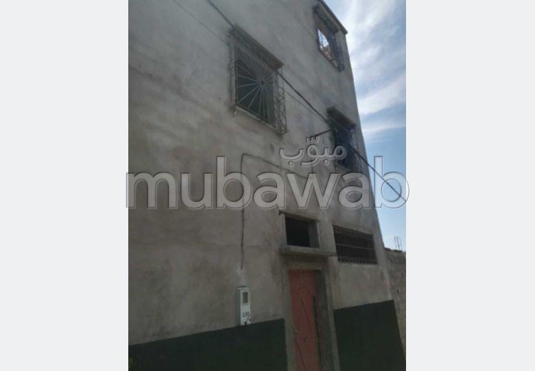 Trouvez votre maison à acheter à Marrakech. Surface totale 105.0 m². Vue sur les montagnes.